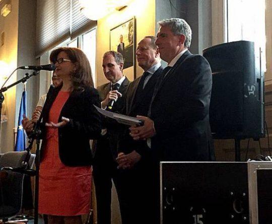 الكورة أنفه: تكريم السيدة سمر ساسين بمنحها وسام مدينة باريس