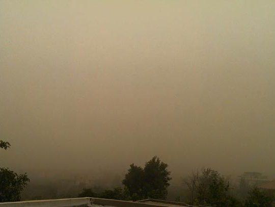 العاصفة الرملية تجتاح الكورة اليوم. اللقطة ل كفرعقا مرسلة من جميل الشيخ بوفرح