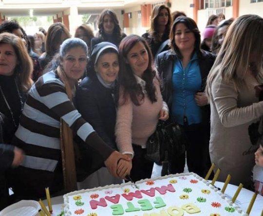 عيد الأمّهات في ثانوية راهبات القدّيسة تريزيا – أميون