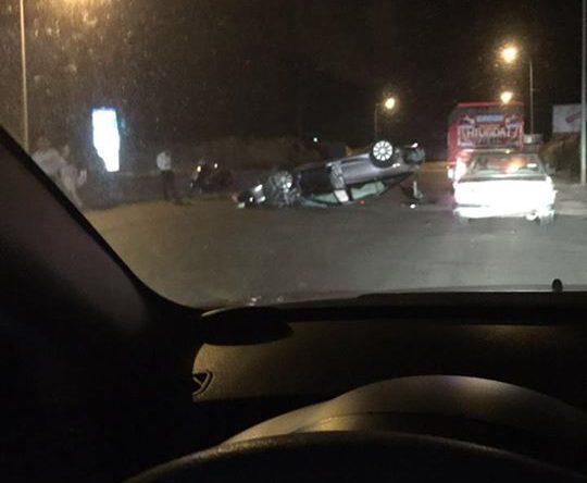 حادث سير وانقلاب سيارة على اوتوستراد شكا القلمون