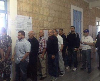كوسبا الكورة: فتح صناديق الاقتراع في مدرسة كوسبا الرسمية للبنات والمدرسة الرسمية للصبيان