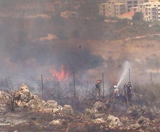 شكر كبير للدفاع المدني،الجيش اللبناني وبلدية بشمزين وشبابها لإرسالهم سيارة الإطفاء الخاصة بهم للمساعدة في اطفاء الحريق الذي اندلع منذ ساعات في أميون