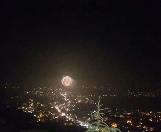 صور للالعاب النارية من كوسبا لافتتاح مهرجان أميون