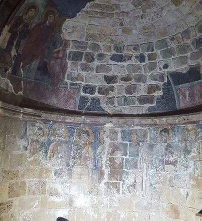 توضيح بخصوص خبر ترميم الجدرانيات في كنيسة مار فوقا أميون