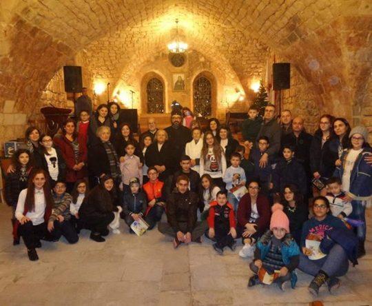 أمسية ميلادية ﻷطفال رعية القديس جاورجيوس-قلحات في القاعة الاثرية في دير سيدة البلمند البطريركي